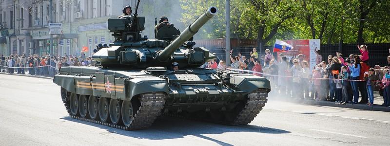 Парад военной техники на 9 мая